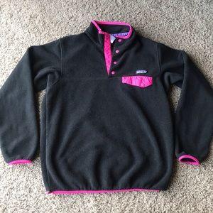 Women's Patagonia black pink snap t pullover M